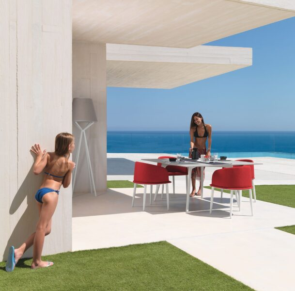 Cleo//Alu 150×150 Dining Table 4