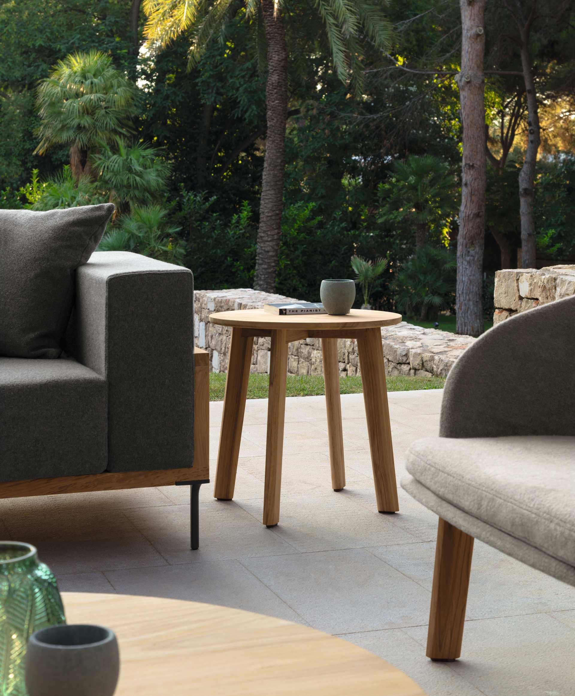 Picture of: Cleo Teak Side Table Italian Garden Furniture Talenti