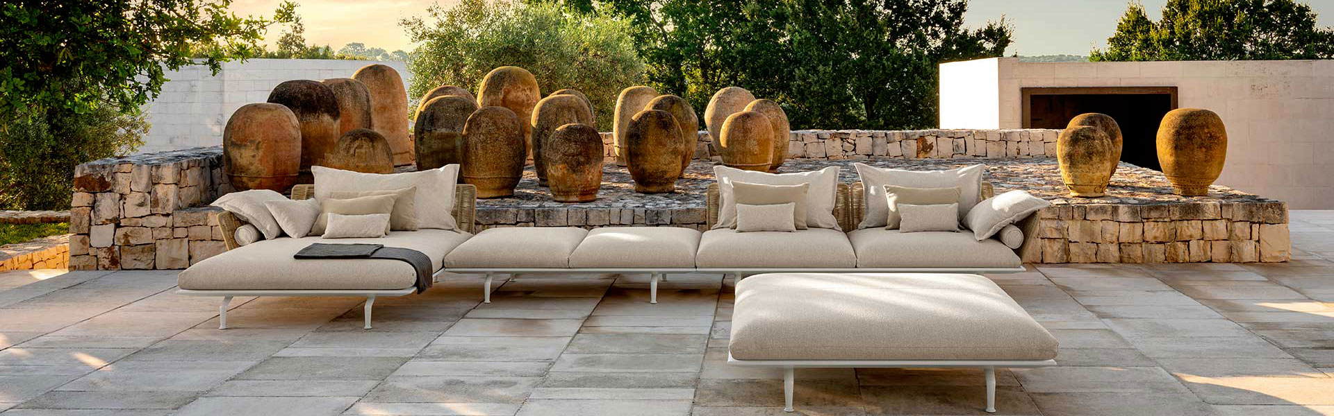 Italian garden furniture: Talenti  Outdoor Living